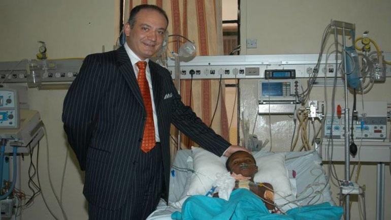 Τουλάχιστον 15.000 παιδιά έχουν βοηθηθεί σε όλο τον κόσμο από τον Έλληνα καρδιοχειρουργό Αυ. Καλαγκό