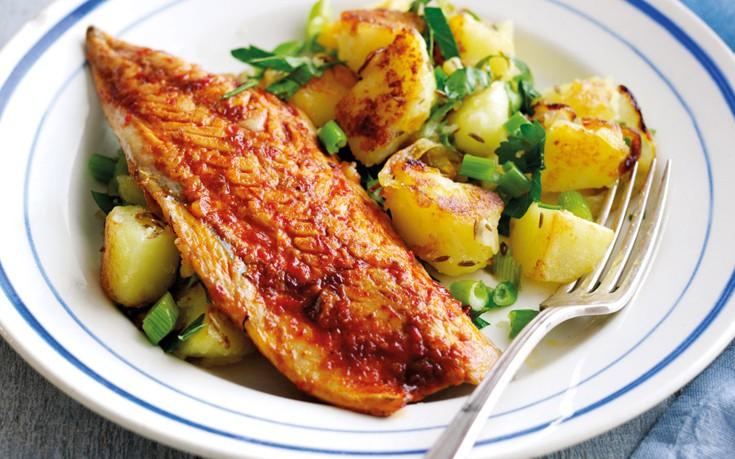 Κολιοί στο φούρνο με πατάτες – Newsbeast