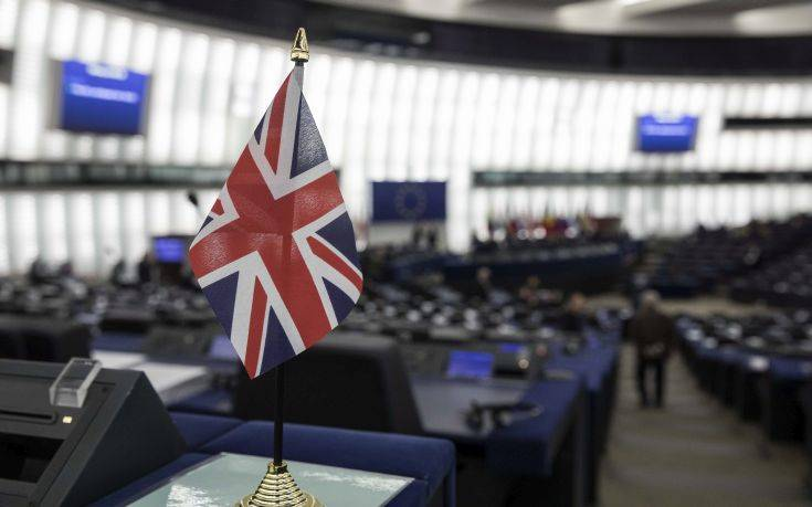 Με το βλέμμα στραμμένο στις πολιτικές εξελίξεις η Βρετανία – Newsbeast