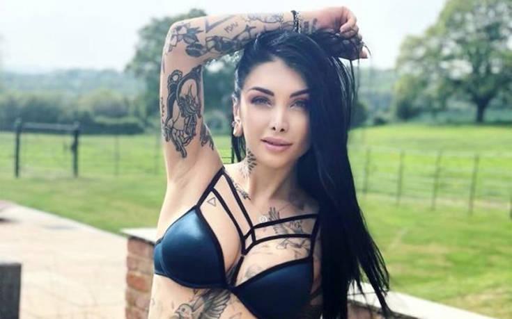 Κορίτσια κολλημένα με τα τατουάζ – Newsbeast