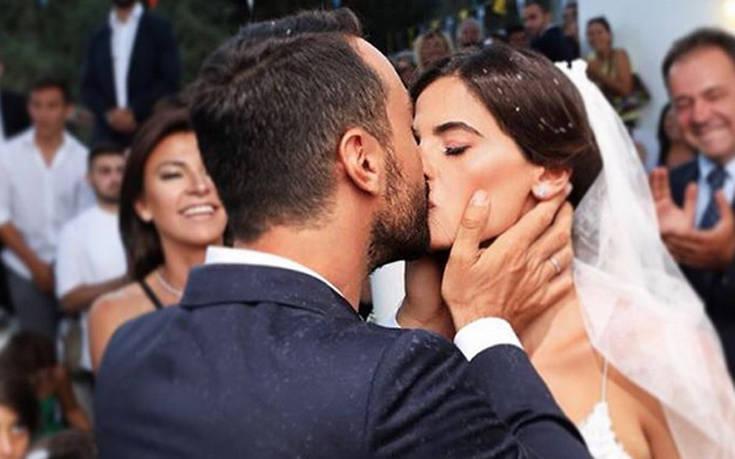 Τα μηνύματα για την πρώτη επέτειο γάμου – Newsbeast
