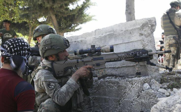 Τουρκικές δυνάμεις εκκενώνουν παρατηρητήριο που είχε περικυκλωθεί από τις κυβερνητικές δυνάμεις στο Ιντλίμπ