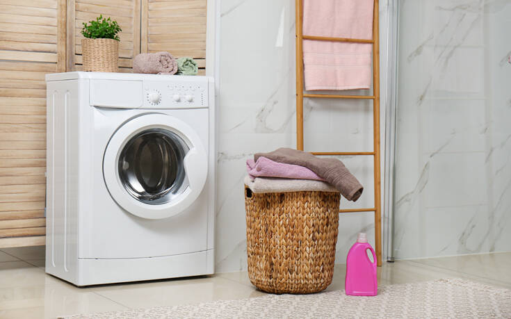 Το Tik Tok κατακλύζεται από το μυστικό της γιαγιάς για το σωστό πλύσιμο των ρούχων